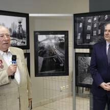 """Zbigniew Sawicz Gloria Artis , wernisa¿ wystawy """"Symbole czasu"""" fot Józef Wolny"""